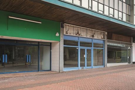 empty high street shops c Lucie Lang Shutterstock PW290618