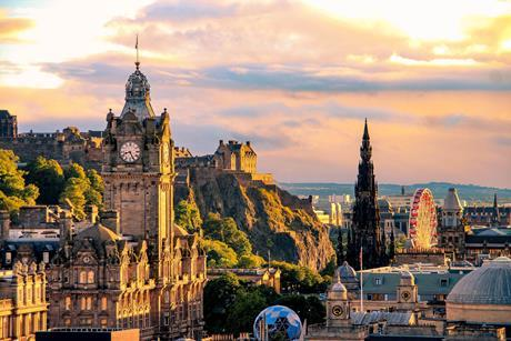PW140918_Edinburgh view from Calton Hill_shutterstock_604881224_cred evenfh