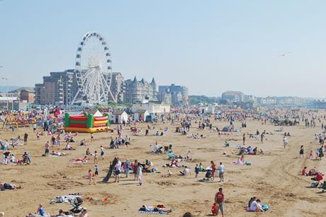 Weston-super-Mare_beach_from_the_Pier
