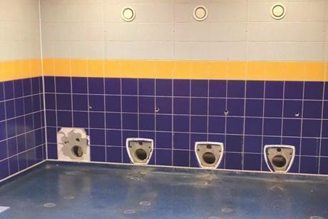 Simple Stars_First floor_Toilets