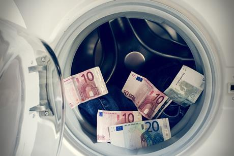 PW140918_money laundering_shutterstock_180392672_cred Eskemar