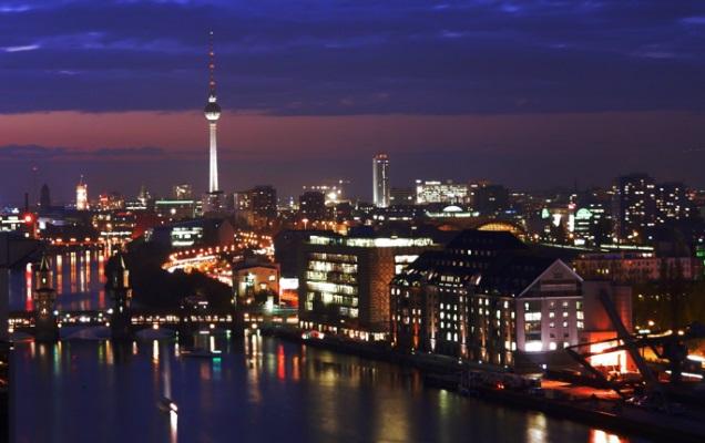 Berlin at night 636